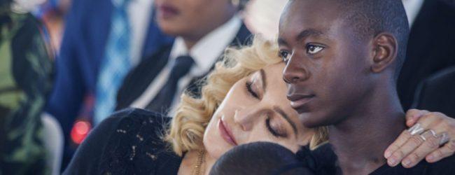 Madonna s'installe à Lisbonne pour permettre à son fils de réaliser ses rêves
